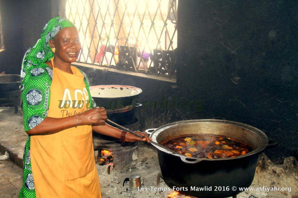 PHOTOS - Dispositif Sécuritaire et Médical, la Cuisine , les Ziarras , les Médias le commerce: Découvrez quelques  temps-forts du Gamou de Tivaouane 2016