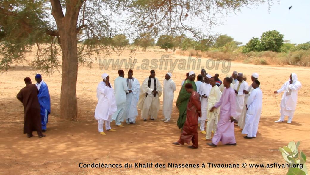 VIDEO - TIVAOUANE - RAPPEL À DIEU D'AL MAKTOUM - Suivez le film de la présentation de Condoléances du khalif de Médina Baye, Cheikh Ahmad Tidiane Niasse