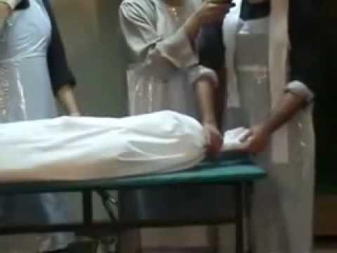 Le Centre d'Etudes et de Formation en Islam (CERFI) du Professeur Rawane Mbaye offre des cours de formation sur le lavage mortuaire