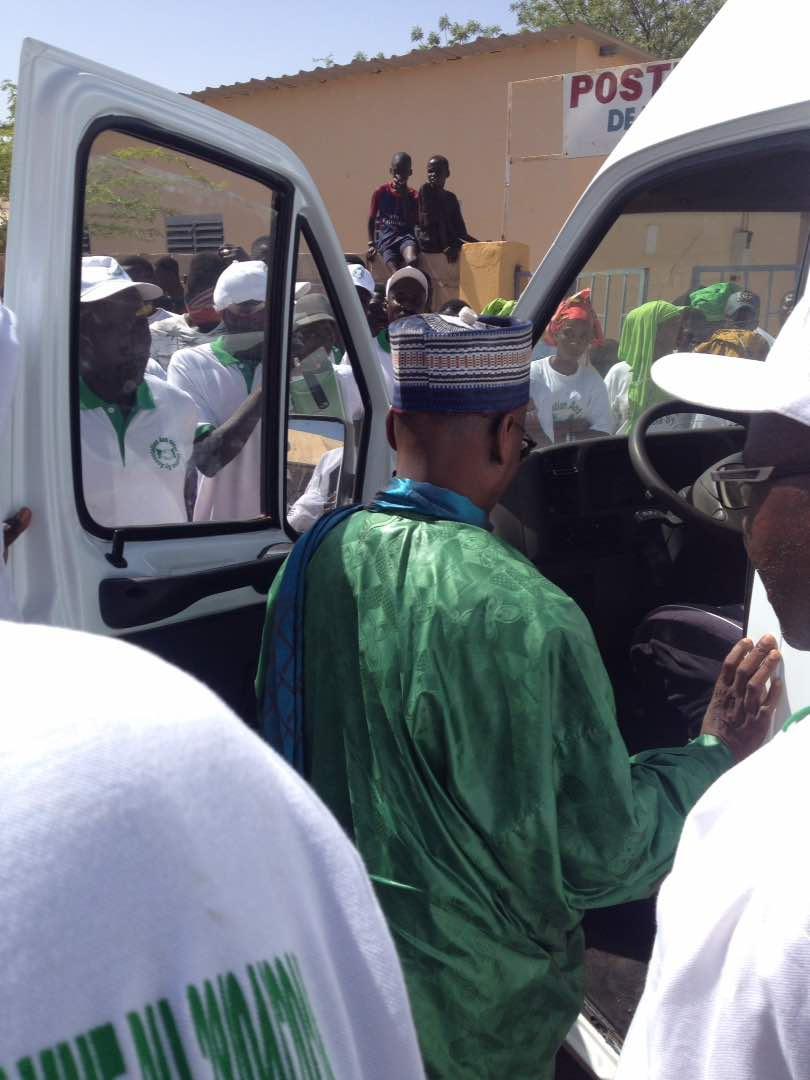 BOULEL - Remise de don d'une ambulance au Poste de Santé de Madina Sy