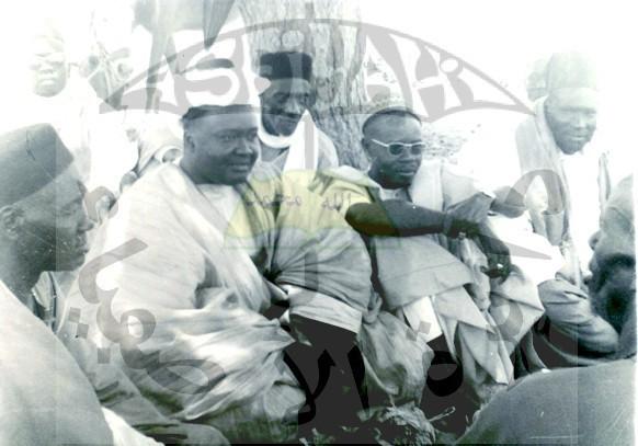 Serigne Mansour Sy dans ses champs en compagnie de Serigne Abdoul Aziz Sy Al Amine et Serigne Saliou Sarr
