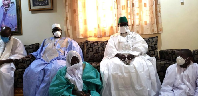 TIVAOUANE - Le Khalif Général des Tidianes reòoit la Dèlègation du Khalif Général des Mourides conduit par son porte-parole Serigne Bassirou Mbacké Abdou Khadre.
