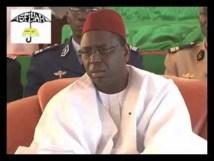 VIDEO  Le président Macky Sall présente ses condoléances à la famille de El Hadj Malick Sy