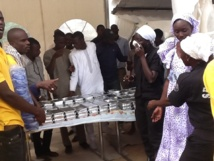 VIDEO - Gamou dans la Solidarité ! Le Dahira Moutahabina Filahi de Diamalaye et le Dahira Asfiyahi distribuent  des Repas le Jour du Mawlid
