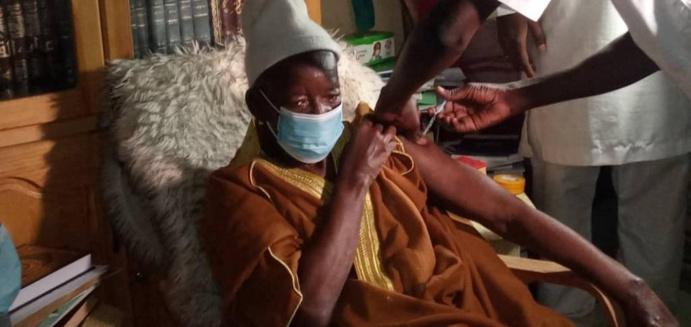 KAOLACK - Vaccin Contre la Covid-19 : Le Khalife général de Médina Baye Cheikh Mahi Niasse lance officiellement la Campagne de Vaccination