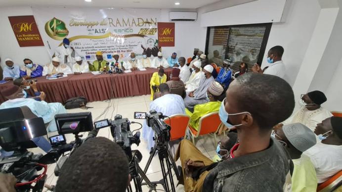 L'Association Islamique pour servir le Soufisme (AIS), offre des «enveloppes ramadan» aux Daaras