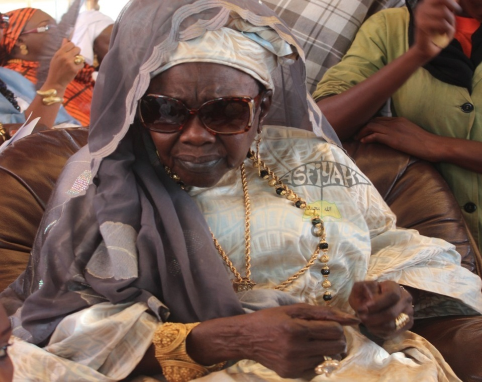 Sokhna Oumou Kalsoum SY Bint Serigne Babacar Sy , Doyenne de la Famille SY