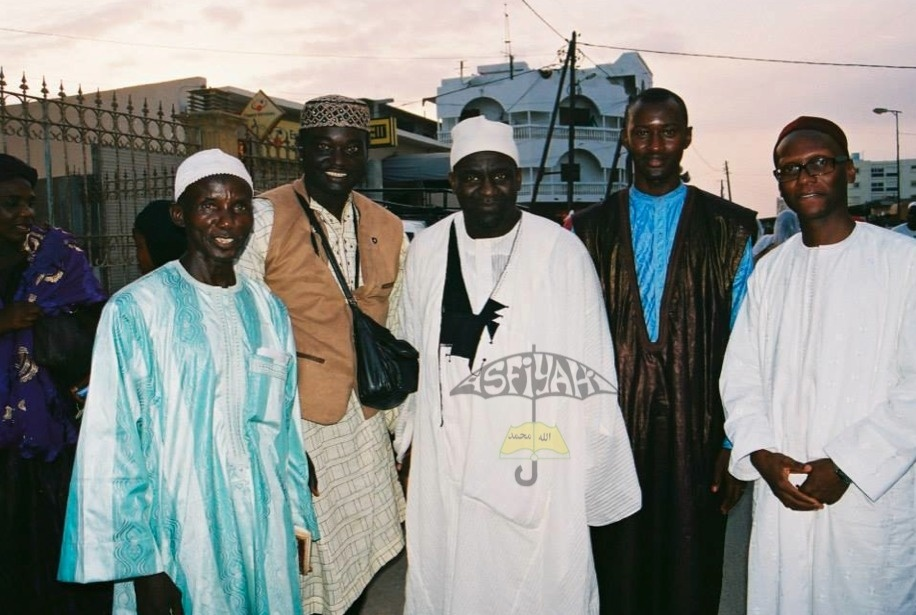 A droite , Serigne Cheikh Tidiane Sy Abdou