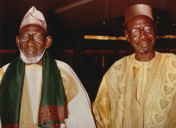 """""""Mourchid Aboubacar SY avec son oncle et protecteur Thierno Mountaga Tall témoignage de fidélité dans la vie et pour l'éternité"""""""
