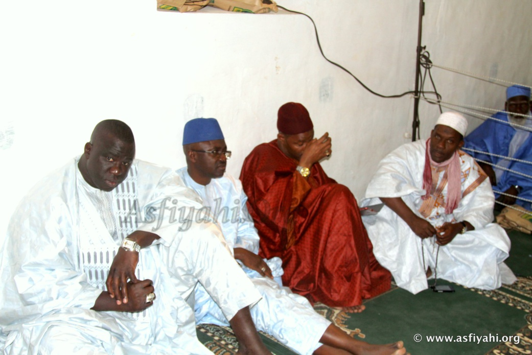 PHOTOS - Le Gamou à la Grande Mosquee El Hadj Malick Sy , présidé par Serigne Mbaye Sy Mansour et Serigne Pape Malick Sy