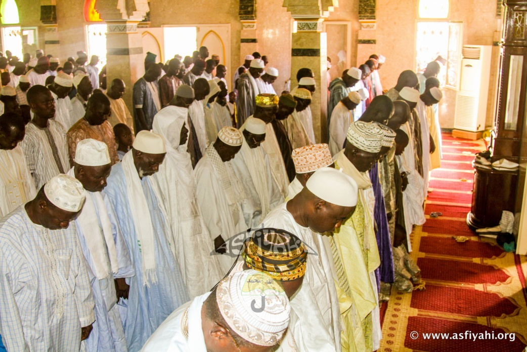 PHOTOS - KORITÉ 2015 À TIVAOUANE : Les Images de la Prière à la Mosquée Serigne Babacar Sy  صلاة العيد الفطر في مدينة تواون