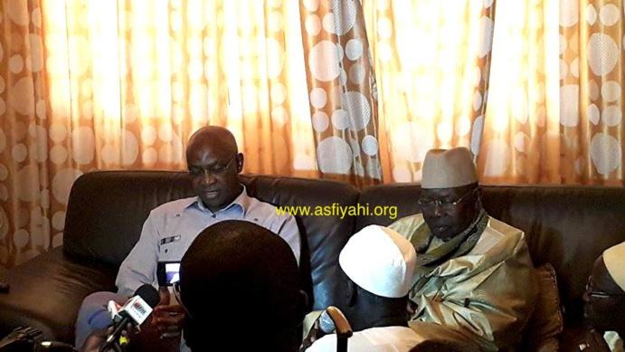Recevant le Ministre de l'éducation Serigne Mbaye Thiam, Serigne Abdoul Aziz Sy Al Amine prie pour une année scolaire apaisée