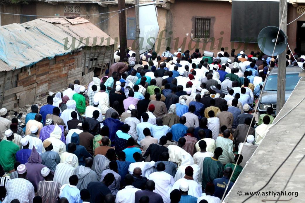 PHOTOS - KHADRATOUL DJUMAH - Serigne Abdoul Aziz Sy Al Amine hôte de Serigne Mor Diop aux parcelles assainies, vendredi 18 mars 2016