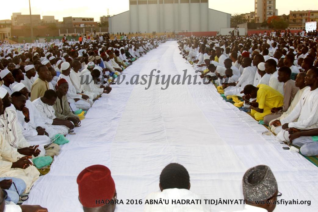 PHOTOS - 15 JUILLET 2016 AU STADE AMADOU BARRY - Regardez les images de la Hadratoul Djumah exceptionnelle presidée par Serigne Abdoul Aziz Sy Al Amine