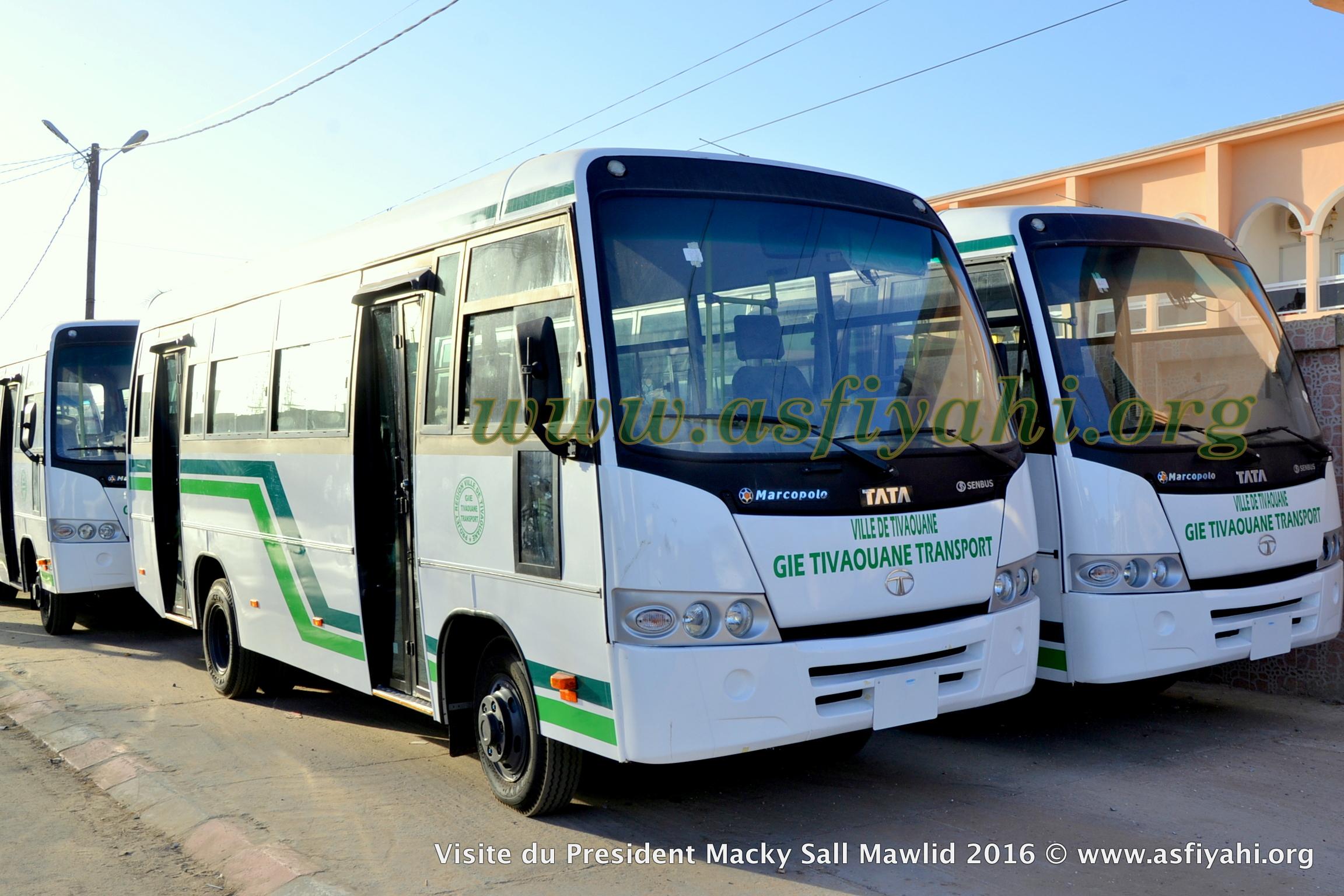 PHOTOS - Remise des clés de 15 nouveaux mini bus pour Tivaouane