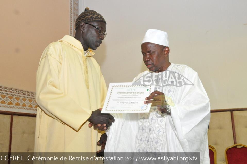 PHOTOS - Les Images de la cérémonie de remise officielle d'attestations aux participants aux séminaires de formation sur divers thèmes islamiques durant l'année académique 2017, organisée par le CERFI du Pr Rawane MBAYE