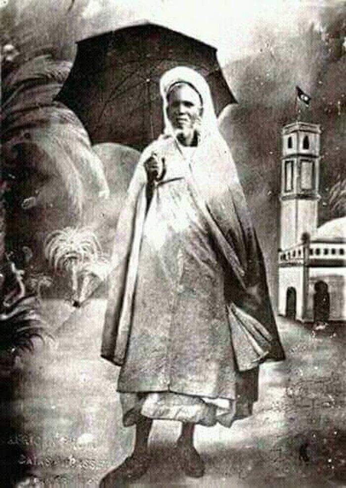 SEYDIL HADJI MALICK SY (RTA) Son « cursus » initiatique : l'étape de la Mauritanie. 27 juin 1922 – 27 juin 2019 (1/11/1340 – 23/10/1440 HEGIRE)