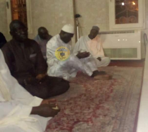 PHOTOS - A peine sorti de Prison: Khalifa Sall se rend nuitamment à Tivaouane se recueillir au mausolée de son homonyme Serigne Babacar Sy