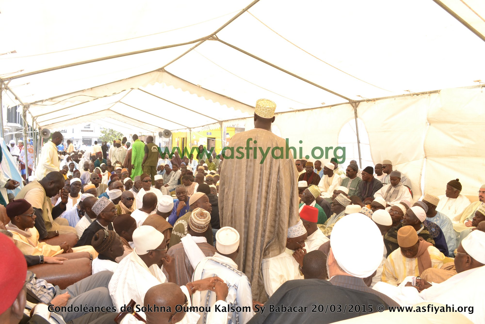 PHOTOS - Les Images des Condoléances de Sokhna Oumou Kalsom Sy Bint Serigne Babacar SY (rta) à la Médina ce Vendredi 20 Mars 2015