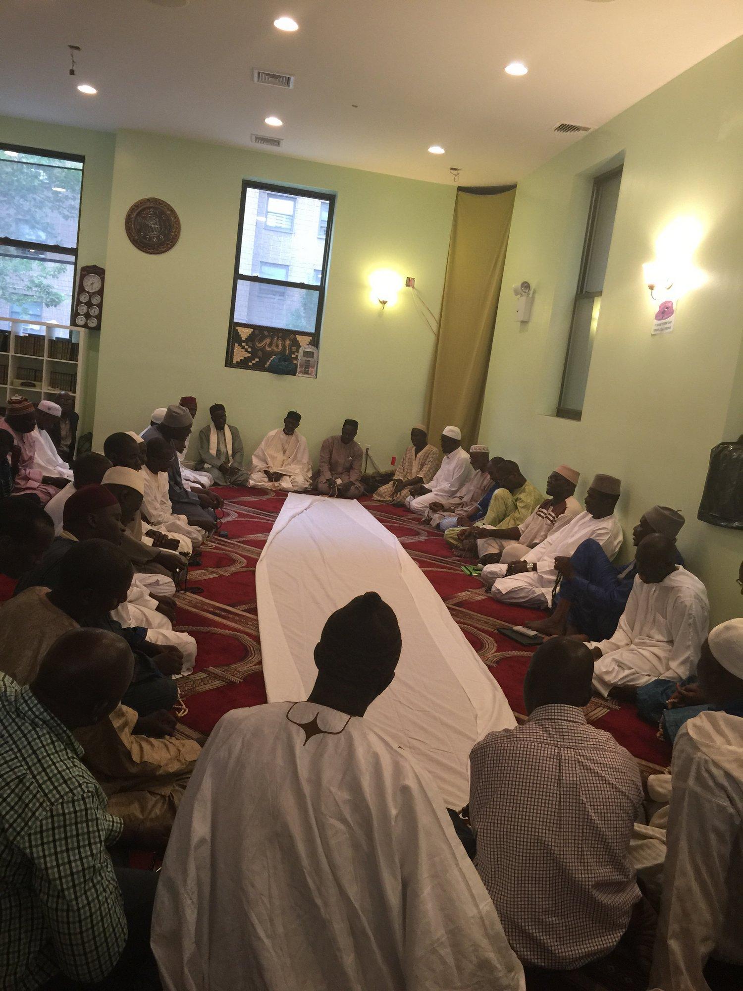 Khadara dirigé par Imam Djibril Diéye, Imam Abdoulaye Diop et Imam Ndongo Sarr