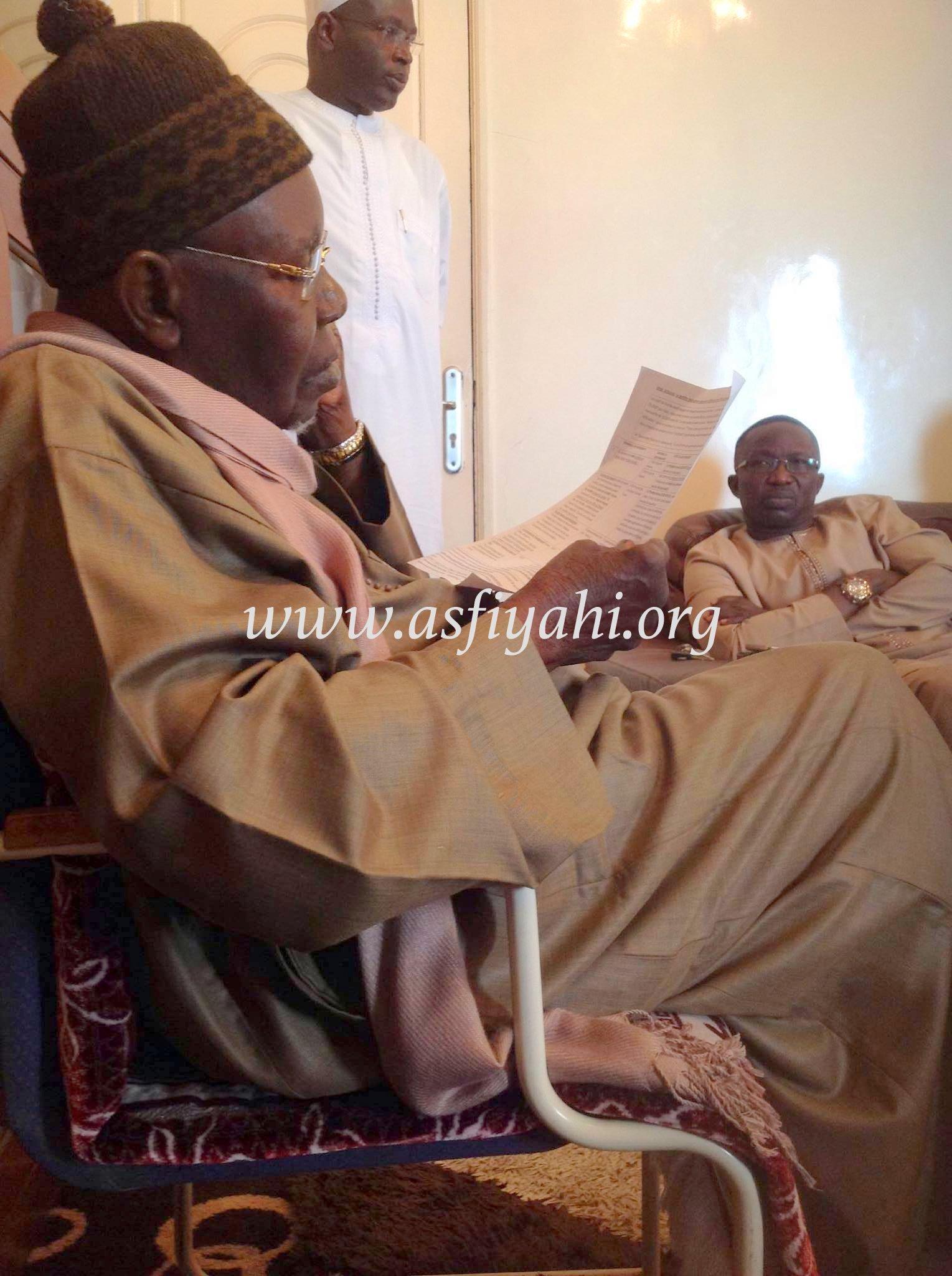 DERNIERE MINUTE - CRISE SCOLAIRE - La Médiation de Serigne Abdoul Aziz Sy Al Amine pourrait dénouer la crise ; Macky Sall téléphone en pleine réunion et promet de...