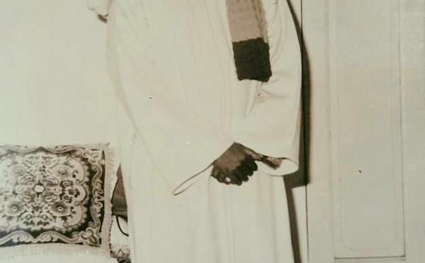 Essai de traduction de Tâhat Binûri Jamâlikal Aḥlâmu du Khalif Serigne Cheikh Ahmad Tijâne Sy Al Maktûm
