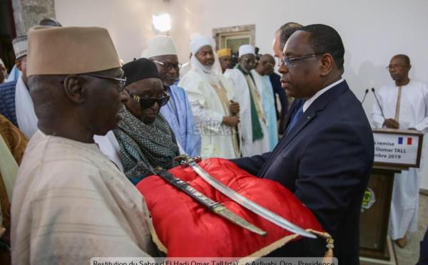 PHOTOS - Le sabre de l'Aigle d'Alwar d'ElHadj Oumar Tall (rta) restitué au Sénégal