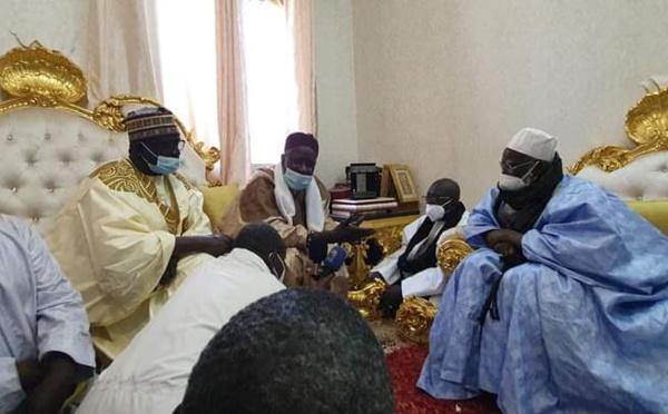 Touba : Serigne Mansour Sy Djamil présente ses condoléances et celles du khalif général des tidianes à Serigne Mountakha