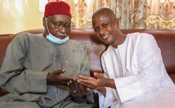 Le khalif général des Tidianes, Serigne Babacar SY Mansour a reçu ce Lundi le ministre de l'intérieur, Antoine Félix Abdoulaye DIOME