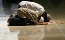 Fiqh Mialikite : La réunion des prières