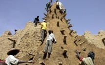 """MALI : Destruction des mausolées de Tombouctou """"la cité des 333 saints"""" par les islamistes d'Ansar Dine"""